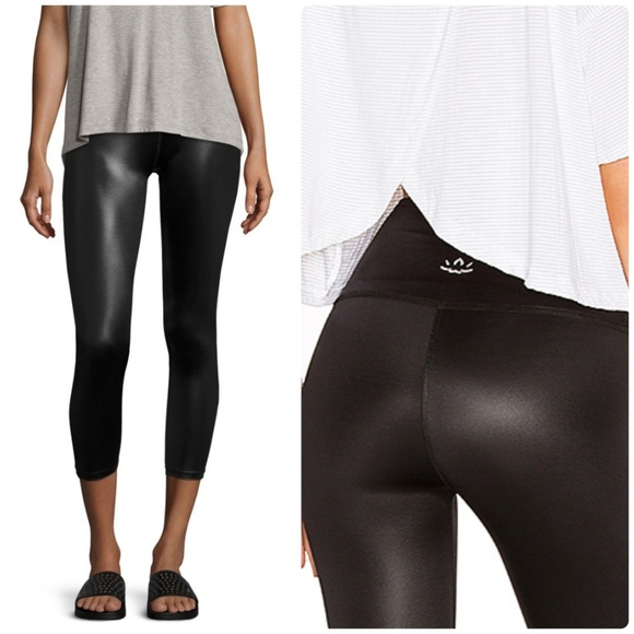443582f431 Beyond Yoga Pants - Beyond Yoga Gloss Over High Waist Crops Sz XS